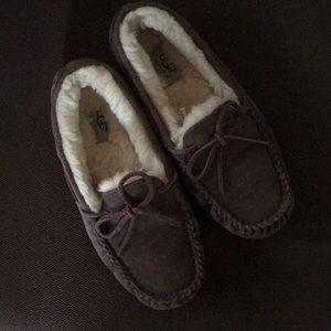 Ugg slippers 8
